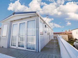 8 berth platinum caravan, sea view at Seashore Haven in Great Yarmouth ref 22037