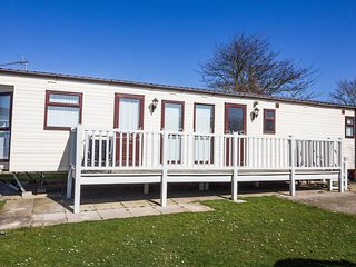 Luxury caravan with and dog friendly on Manor park Hunstanton ref 23072