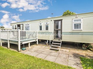 5 berth Caravan in Hunstanton in Norfolk on a great holiday park ref 23025B