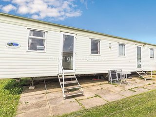 8 berth static caravan at Manor Park, great for a seaside break! ref 23015T