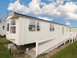 Fully wheelchair accessible caravan for hire in Norfolk near the beach -50020L