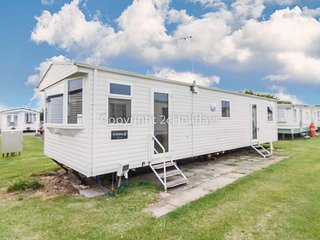 8 berth caravan at California cliffs by the beach in Norfolk ref 50067