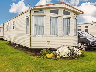 Luxury 6 berth caravan for hire by the beach in Norfolk ref 50027