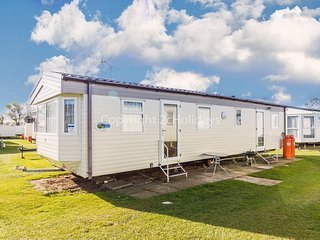 6 berth caravan for hire at California cliffs in Norfolk ref 50019e