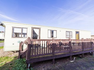 4 berth dog friendly caravan at North Denes holiday park in Suffolk ref 40075ND