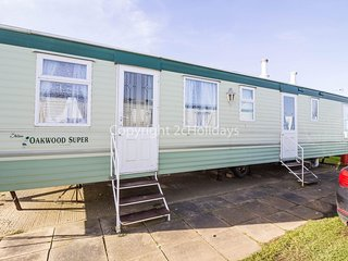 Dog friendly caravan for hire in Norfolk at California cliffs ref 50003