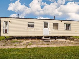 8 berth caravan for hire at Southview Holiday park ref 33030