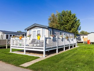 Luxury 6 berth caravan for hire at Haven Thorpe Park Lincolnshire ref 42017