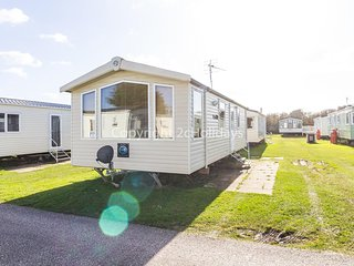 6 berth caravan for hire in Sunnydale Holiday Park Skegness ref 35039