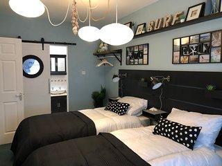 Luxury 2 Bedroom Apartment Stunning Sea Views Bundoran Free WIFI + NETFLIX