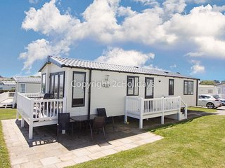 Luxury caravan boasting full sea views at Hopton Holiday Park ref 80041S