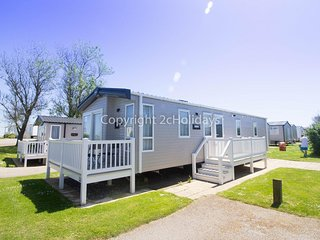 Luxury 6 berth caravan for hire at Hopton Haven in Norfolk ref 80009L