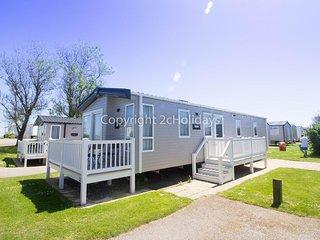 Luxury 6 berth caravan for hire at Hopton Haven in Norfolk ref 80009L