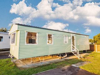 8 berth caravan to hire at Cherry Tree park Norfolk  near Great Yarmouth- 70702