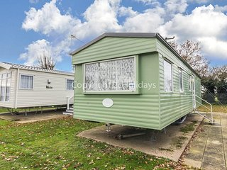 8 berth caravan to hire at Cherry tree holiday park Norfolk ref 70549