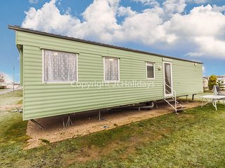 8 berth caravan for hire Great Yarmouth in Cherry tree holiday park ref 70451