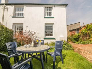 TRAVERSHES COTTAGE, family friendly, enclosed garden, close to the coast, in