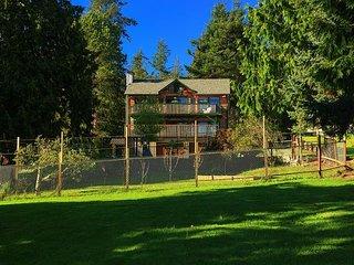 Custom built cedar home on a half acre in charming Coupeville,(253)