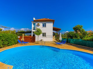 Villa Arsinoe Latchi: Private pool, A/C, Wi Fi, Lovely Sea Views