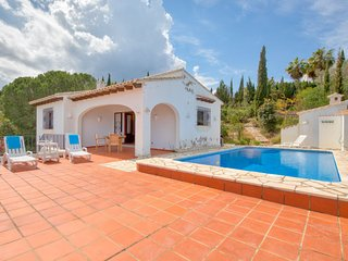 3 bedroom Villa with Pool and WiFi - 5785221