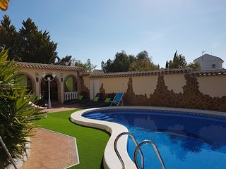 Casa Barclay stunning 4 bed Villa with pool on Camposol