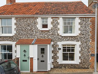 Regis Cottage, Sheringham. Luxury Accommodation for up to 6 Guests.
