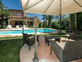 La Fontonne Villa Sleeps 6 with Pool and WiFi - 5891548