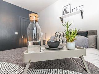IPIBarbershop - Modern Loft Apartment