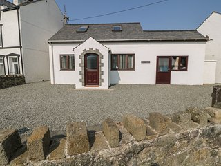 PEN Y BONT family-friendly, close to beach, village centre in Aberdaron Ref