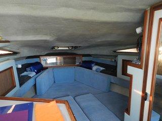 Embarcacion de 1 camarote. Entrada 18.00 h. Salida 10.00 h.