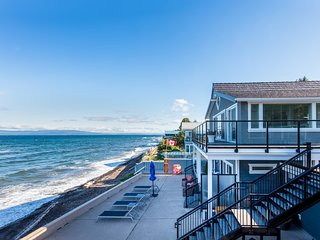 Qualicum Beach Ocean Suites #7 - Oceanfront Vacation Rentals on Vancouver Island