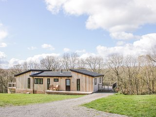 ALDER LODGE BILLINGSLEY, Open-plan living, En-suite, Hot tub, Billingsley