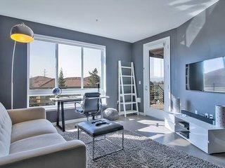 Urban Flat | San Jose | Top Floor w/ Pool & Gym!