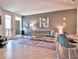 Modern + Stylish 1BR Urban Flat in DT-RWC w/ Pool