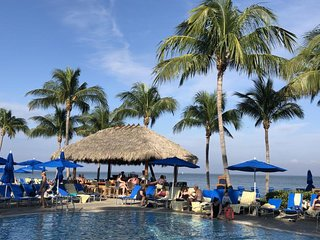 Fantastic 1BR Beach Villa! 3 Pools, Water Slides, Tennis, Tiki Bar, Restaurant!