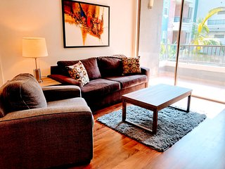 ID 212 - Explore Downtown from 2BR Stylish Apartment