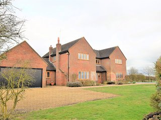 62824 House situated in Aylesbury (9mls NW)