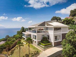 AquaBlu Villa