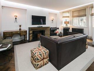 Stylish Mayfair Home by Bond Street