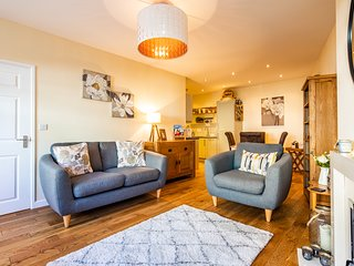 No3 Brocklehurst Cottage,cosy, traditional style cottage in Buxton centre.