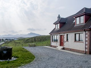 Quiraing Cottage, Digg, overlooking Staffin Bay