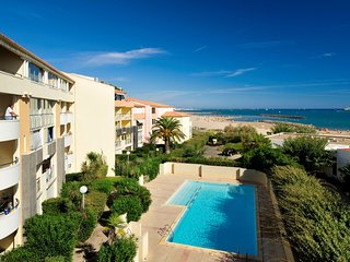 Appartement 58m2 avec piscine sur place a 50m de la plage !