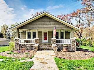 Vintage Home w/ Modern Updates - Near Biltmore, Chimney Rock & Lake Lure