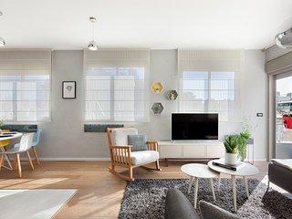 Inner - city Luxury 3Bdr Apartment