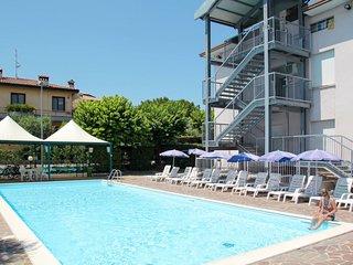 Residence Poggio al Lago (SIR103)