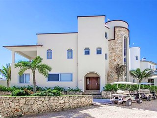 New Luxury Home w/Panoramic Ocean Views