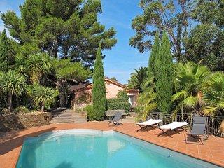 Ferienhaus mit Pool (GIN145)