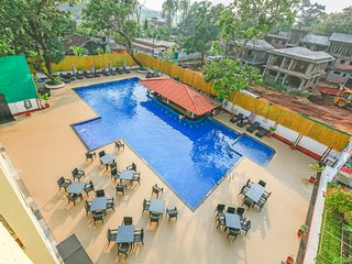 Well-furnished 2 BHK with a pool and swim-up bar/ 70605