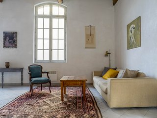 Beautiful apartment in central Pézenas