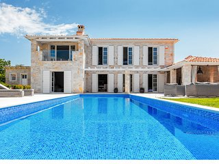 Lovely Villa Arabela, in Istria, with a Pool